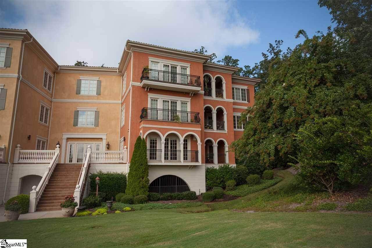 Condo / Townhouse at Greenville, SC 29609
