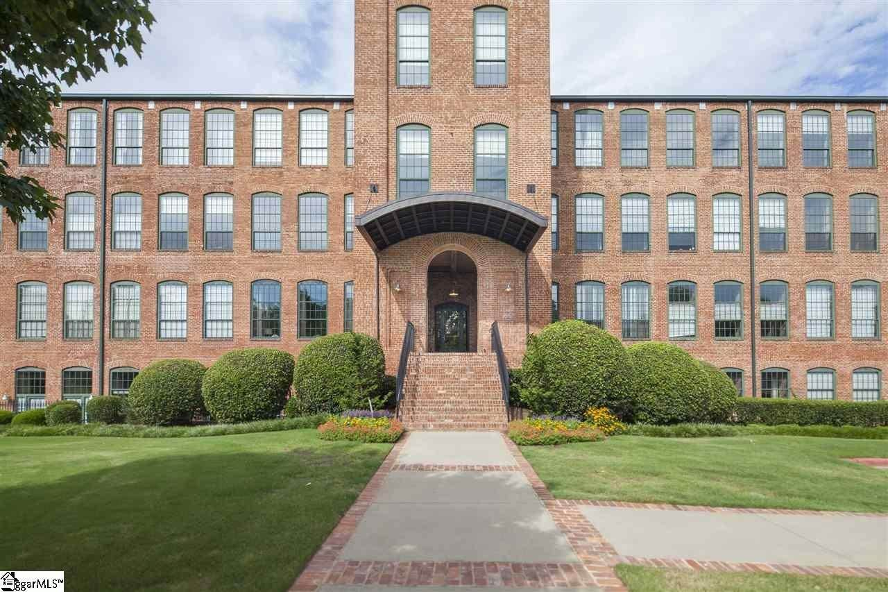 Condo / Townhouse at Greenville, SC 29605