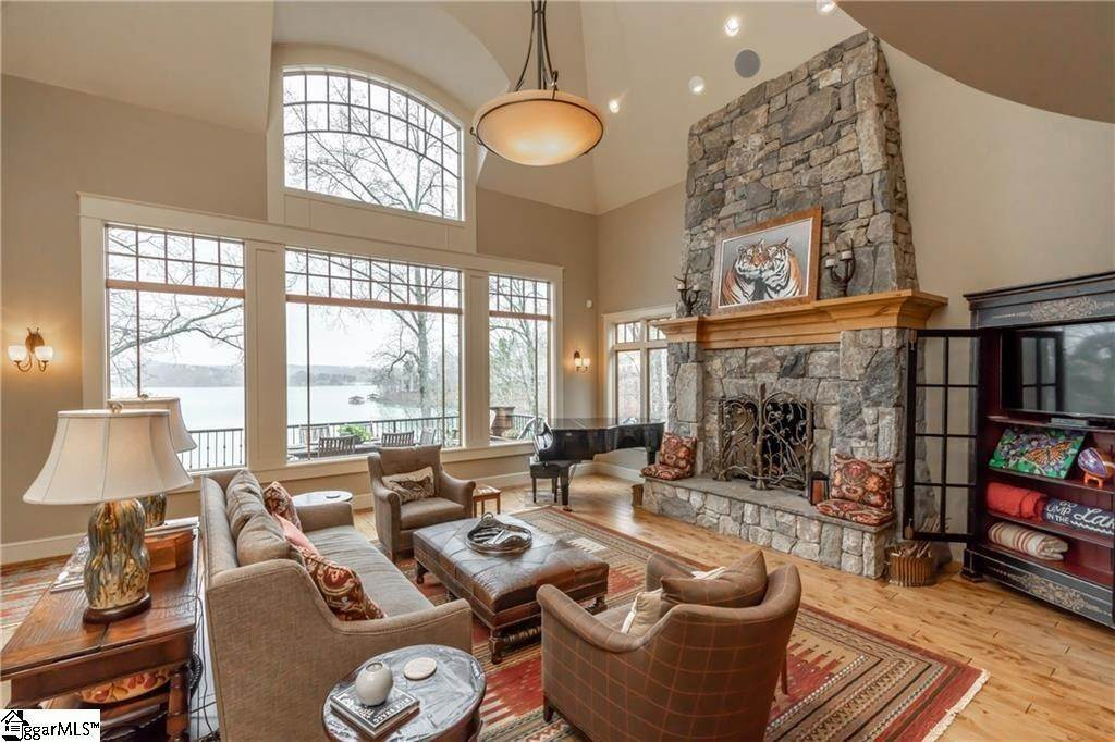 7. Single Family Homes for Sale at The Reserve At Lake Keowee, Sunset, SC 29685