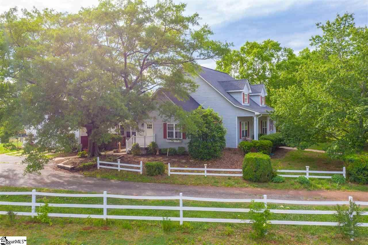 Single Family Homes for Sale at Inman, SC 29349