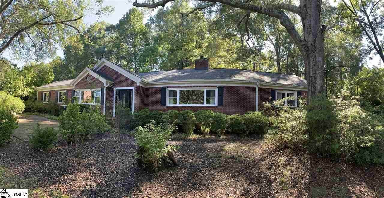 Single Family Homes for Sale at Easley, SC 29640