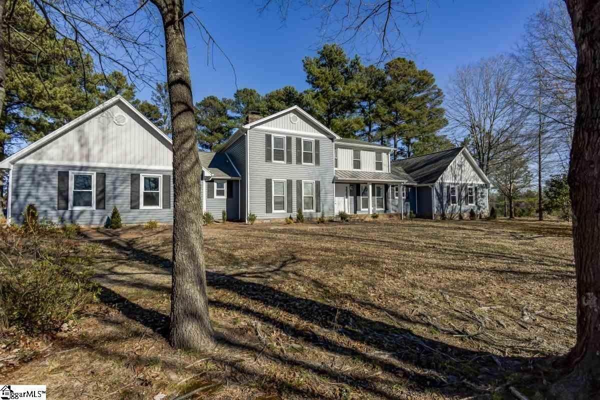 Single Family Homes for Sale at Campobello, SC 29322