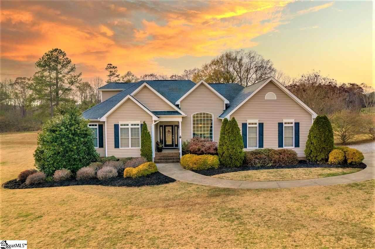 Single Family Homes for Sale at Woodruff, SC 29388