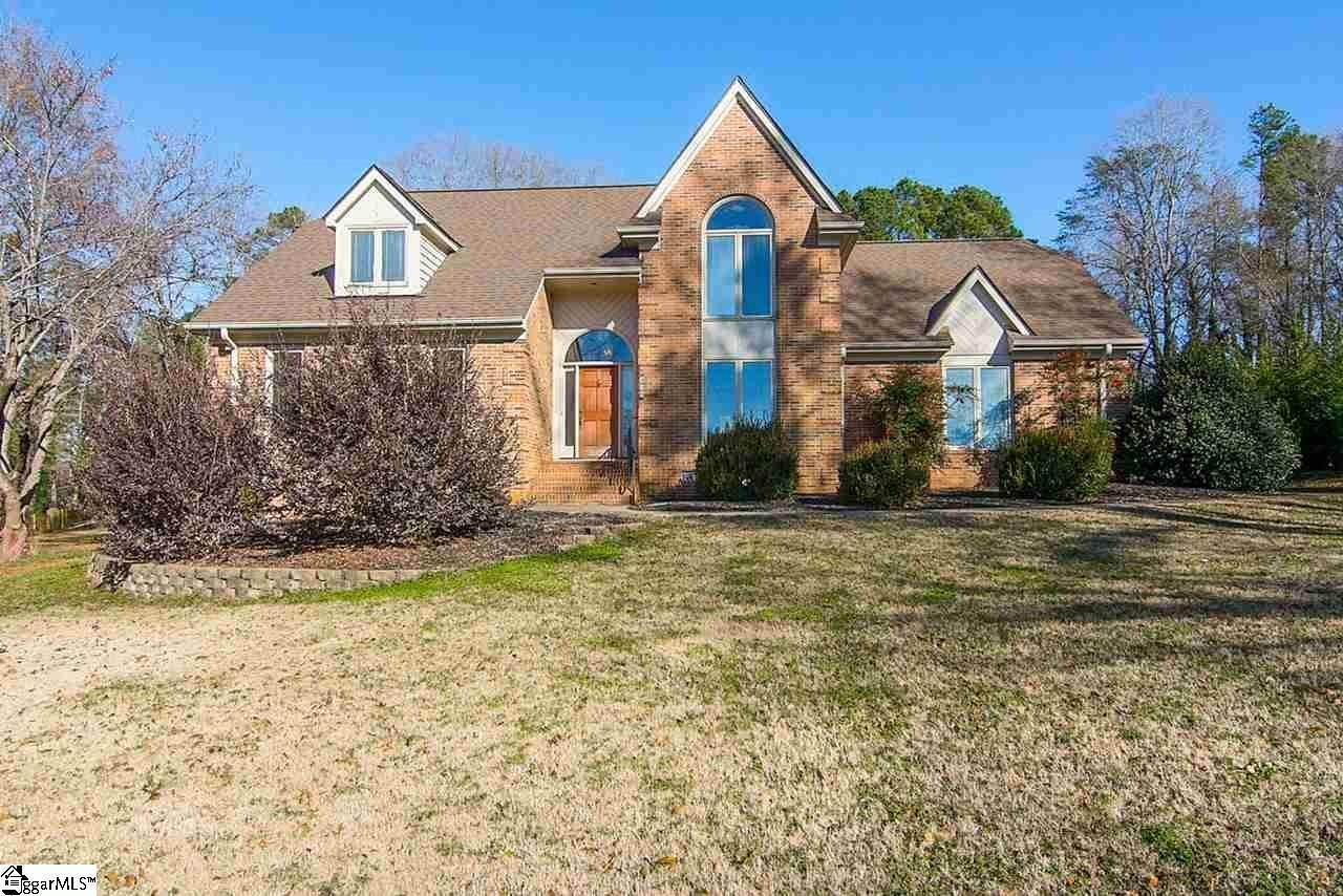Single Family Homes for Sale at Spartanburg, SC 29301