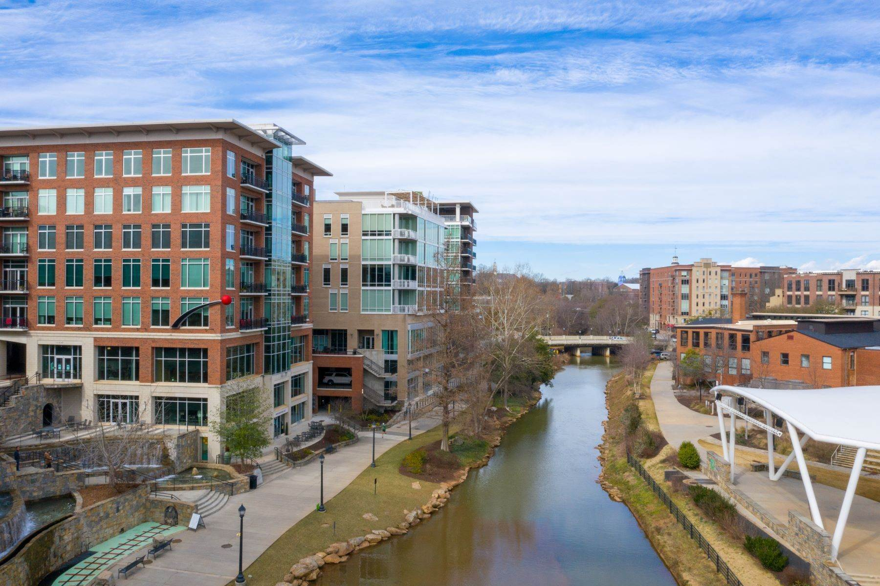 6. Condominiums for Sale at 220 Riverplace, Greenville, SC 29601 220 Riverplace, unit 702, Greenville, SC 29601