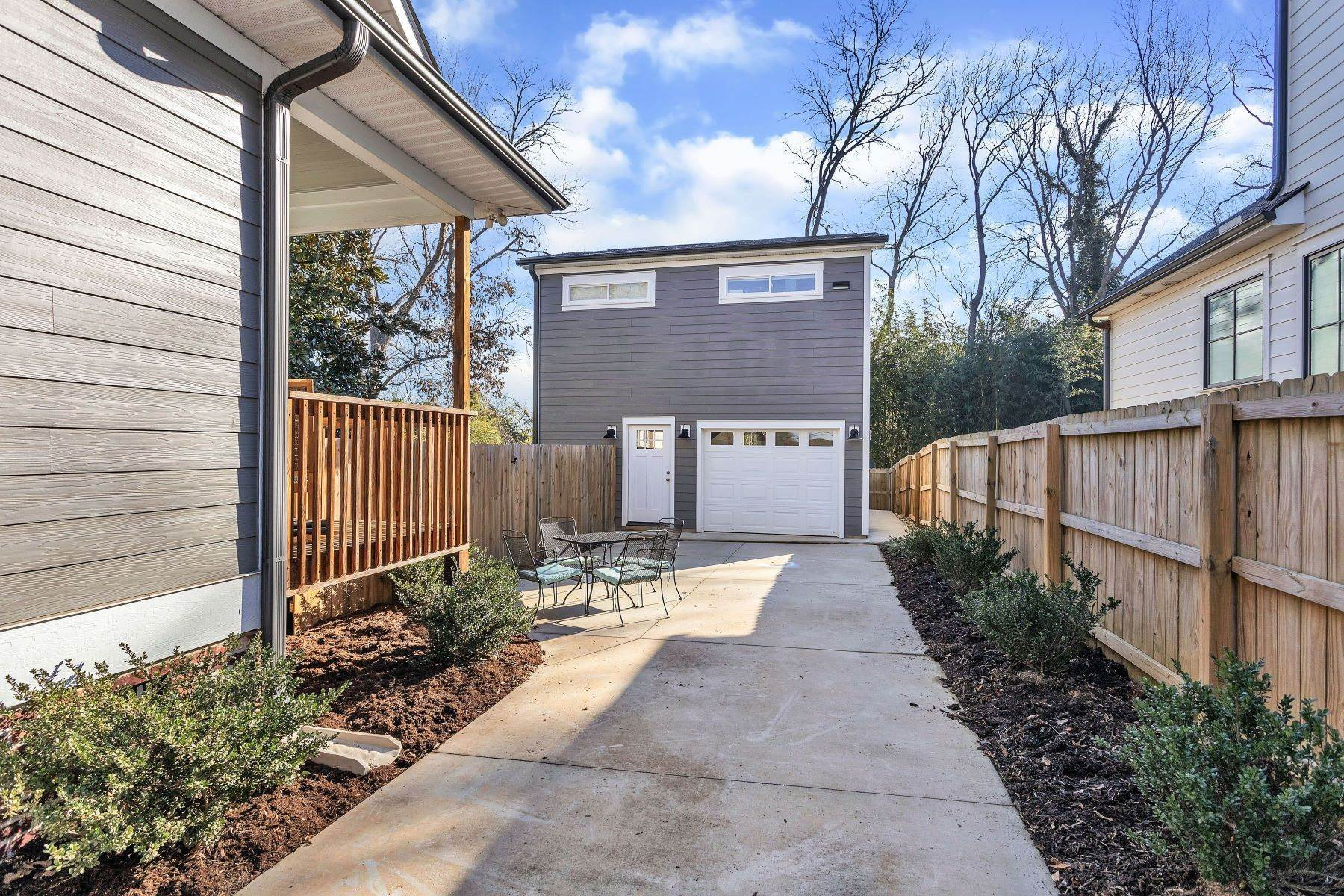 25. Single Family Homes for Sale at UNDER CONTRACT! 114 North Calhoun Street, Greenville, SC 29601 Greenville, SC 29601