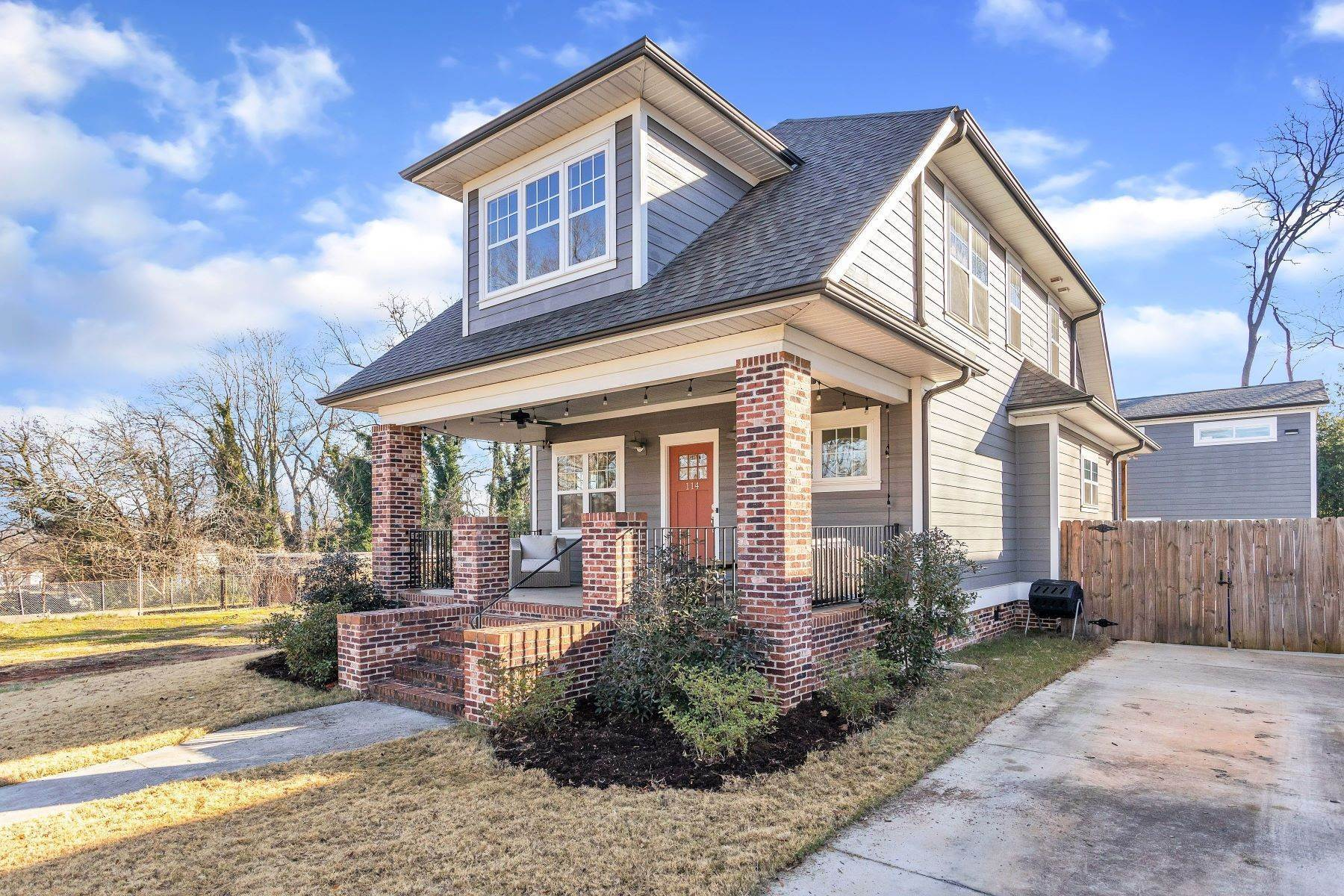 32. Single Family Homes for Sale at UNDER CONTRACT! 114 North Calhoun Street, Greenville, SC 29601 Greenville, SC 29601